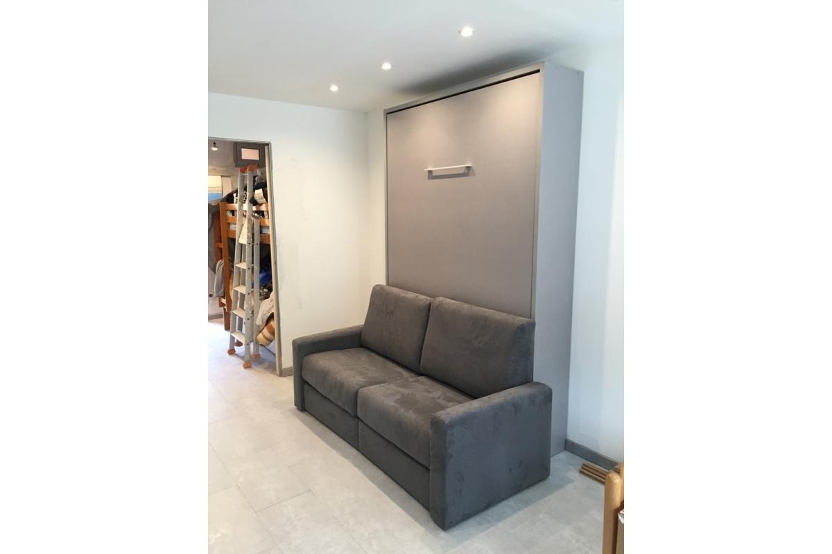 meuble lit escamotable vertical gain de place avec canap. Black Bedroom Furniture Sets. Home Design Ideas