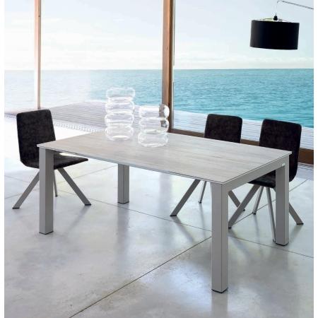 Table d'intérieur ou d'extérieur KU/01 PLUS avec plateau et allonges en DEKTON vendue à côté de Fréjus et Saint-Raphael