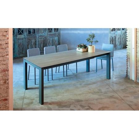 Table en céramique ou dekton fixe ou extensible pieds acier epoxy hauteur 75 ou 90 cm pas cher sur Nice